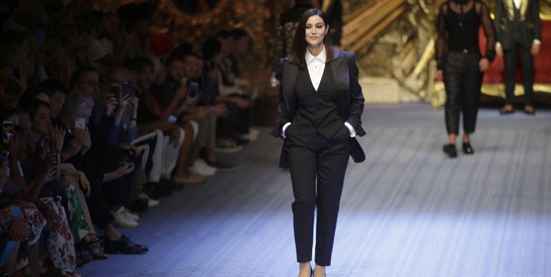 Monica Bellucci in passerella per Dolce e Gabbana