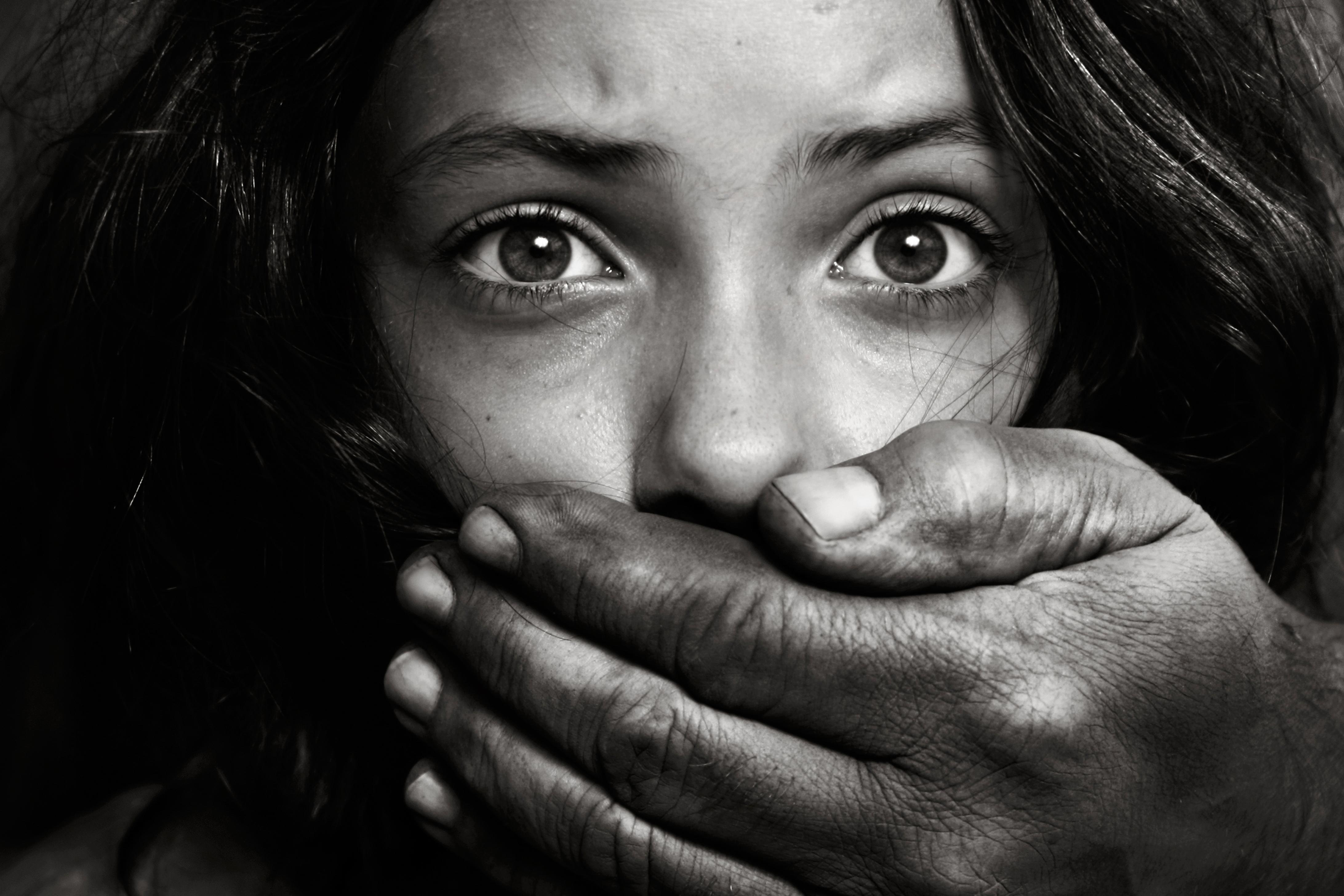 Il dramma delle bambine vittime di abusi in Italia
