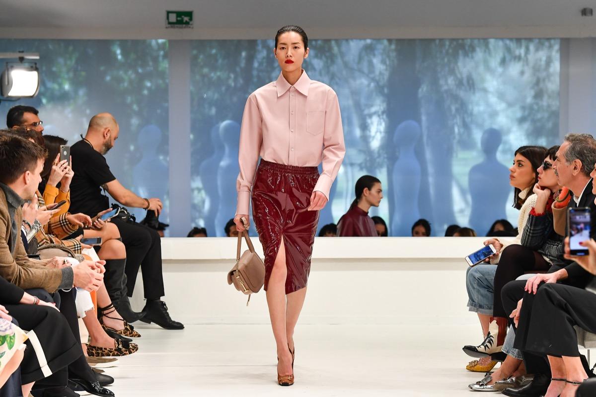 Rosa protagonista sulle passerelle di Milano Moda donna