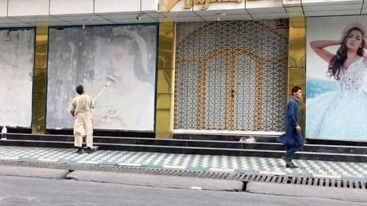 Kabul cartelloni pubblicitari